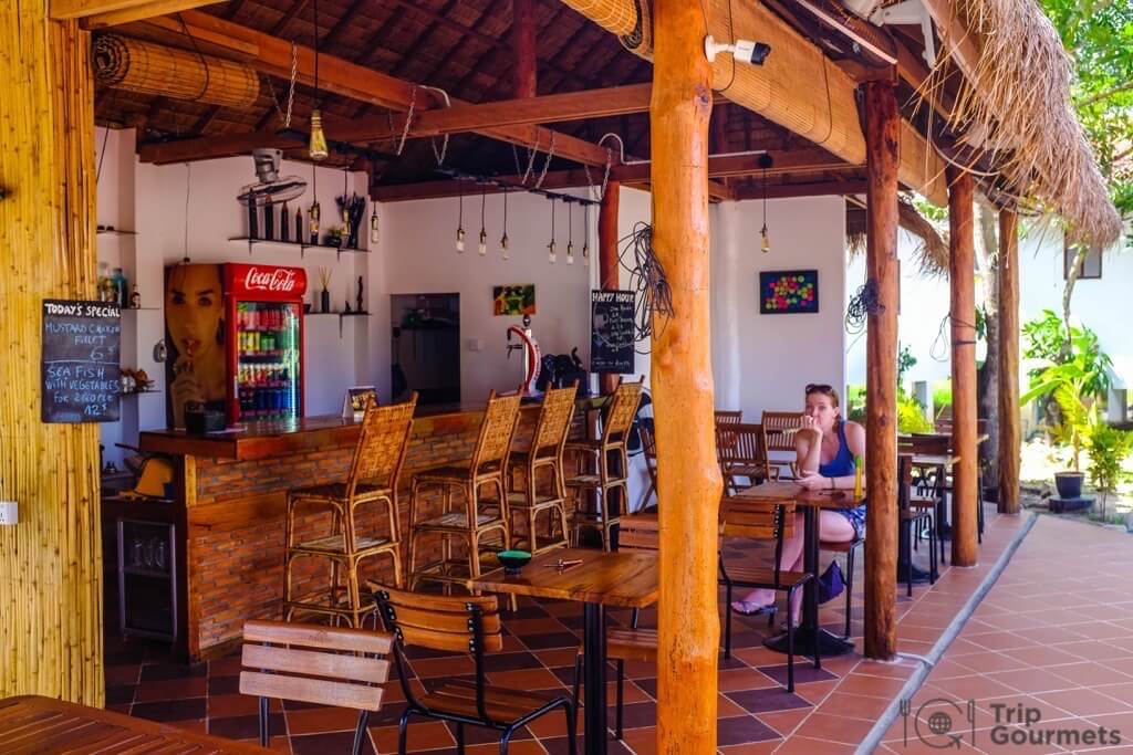 Things to do in Kampot cambodia gecko village bar