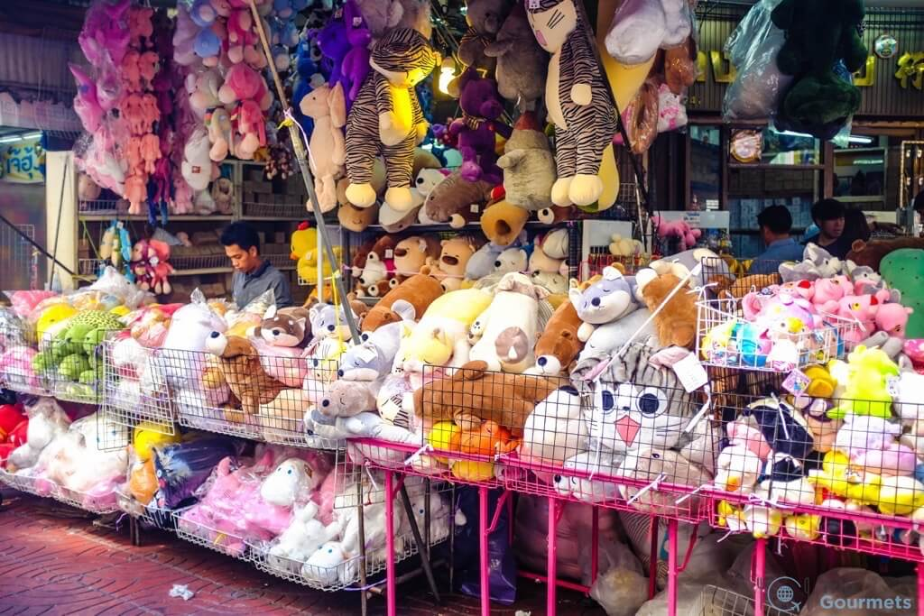 Best Markets in Bangkok Sampeng Lane Market plushies toys plush animals