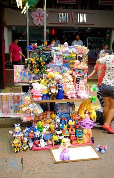 Kuala Lumpur Itinerary Petalin Street Seller