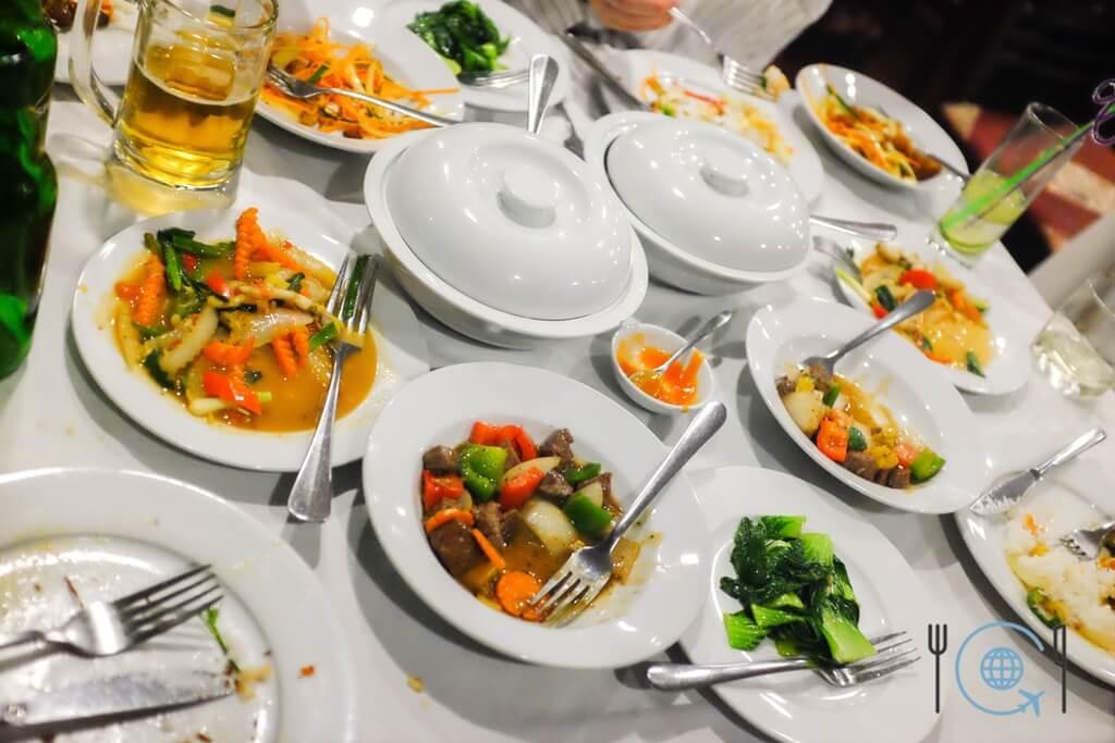 Vietnam 3 week itinerary Halong Bay boat food