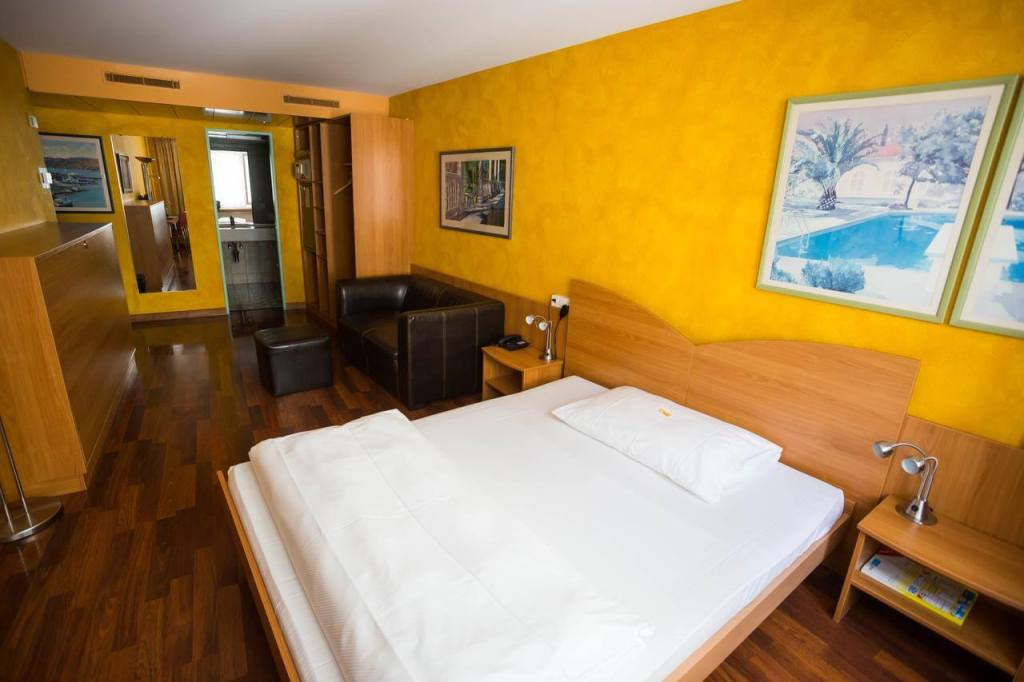 Best places to stay in Zurich Hotel California
