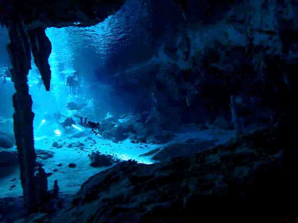 Scuba diving in Playa del Carmen - Entrance of Cenote