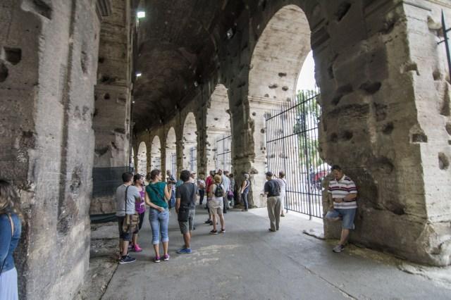 Contorno interno Coliseo Romano