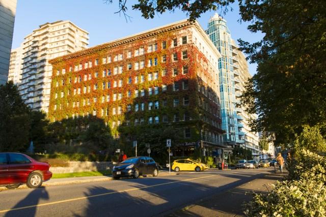 Fachada Sylvia Hotel frente al Stanley Park