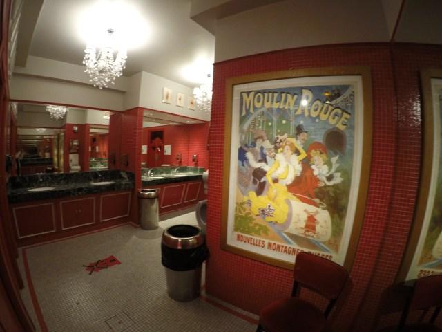Baños del Moulin Rouge