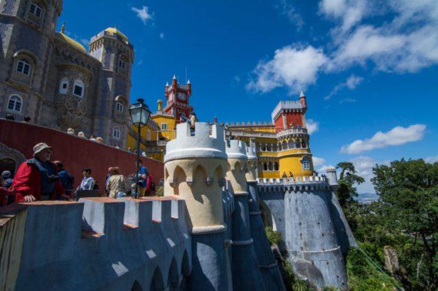 Vista de los bordes del Palacio da Pena