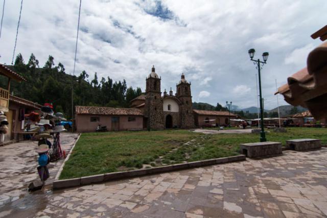 Plaza de San Pedro, ingreso a Raqchi