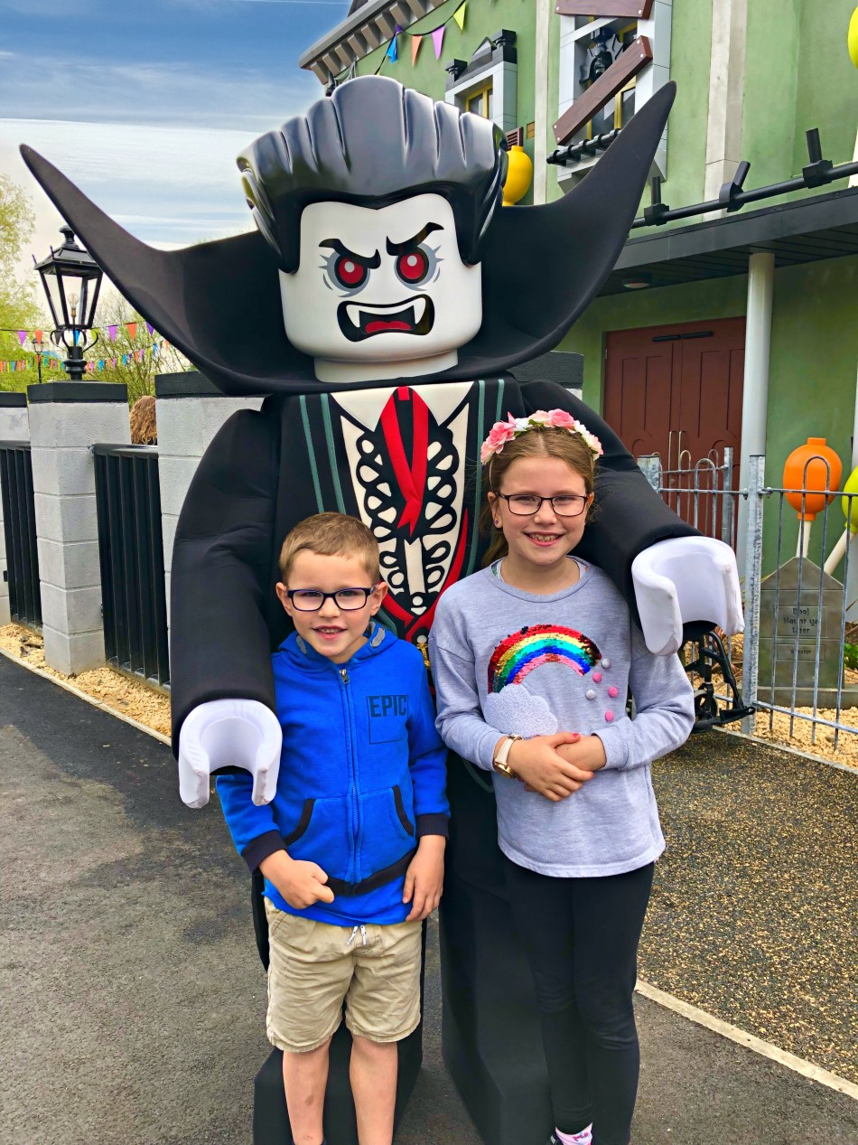 Meeting the vampire at the new Haunted House Monster Party ride.