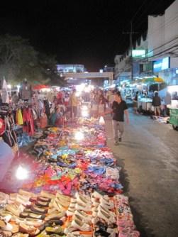 mukdahan night market1