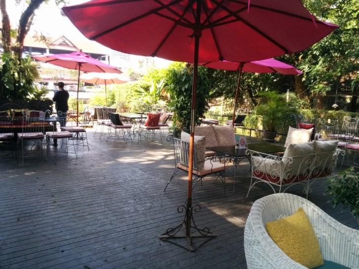 ピン川の風に吹かれながらお茶できるカフェ!Vieng Joom On Teahouse(ヴィアンジュムオンティーハウス)