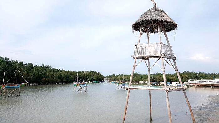 麥克坦島,觀光景點