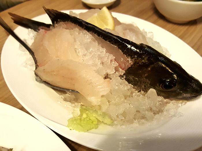 生魚片吃到飽