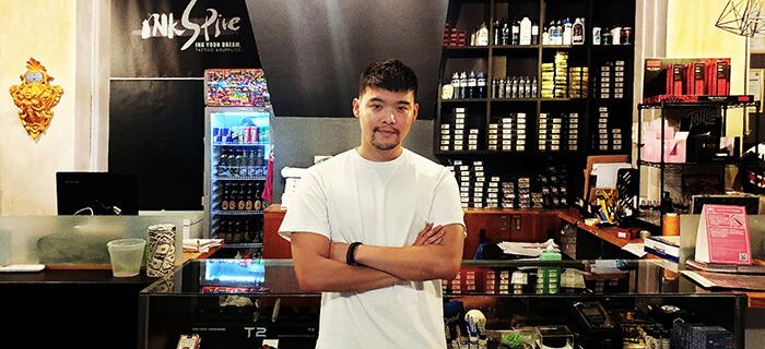 老闆Zeck, 刺青器材行, 刺青,刺青酒吧, 紋身酒吧