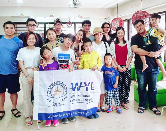 來自日本, 台灣, 越南, 中國的國家的學生