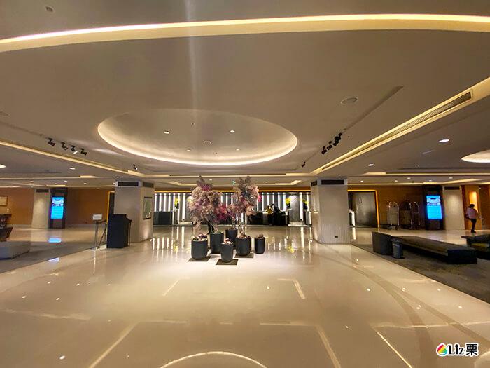 台北喜來登飯店,服務台