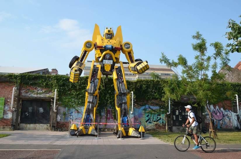 pier 2 art district kaohsiung
