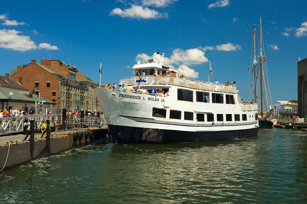Boston Harbor Historic Sightseeing Cruise