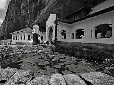 Dambulla-cave-temple-sri-lanka-3