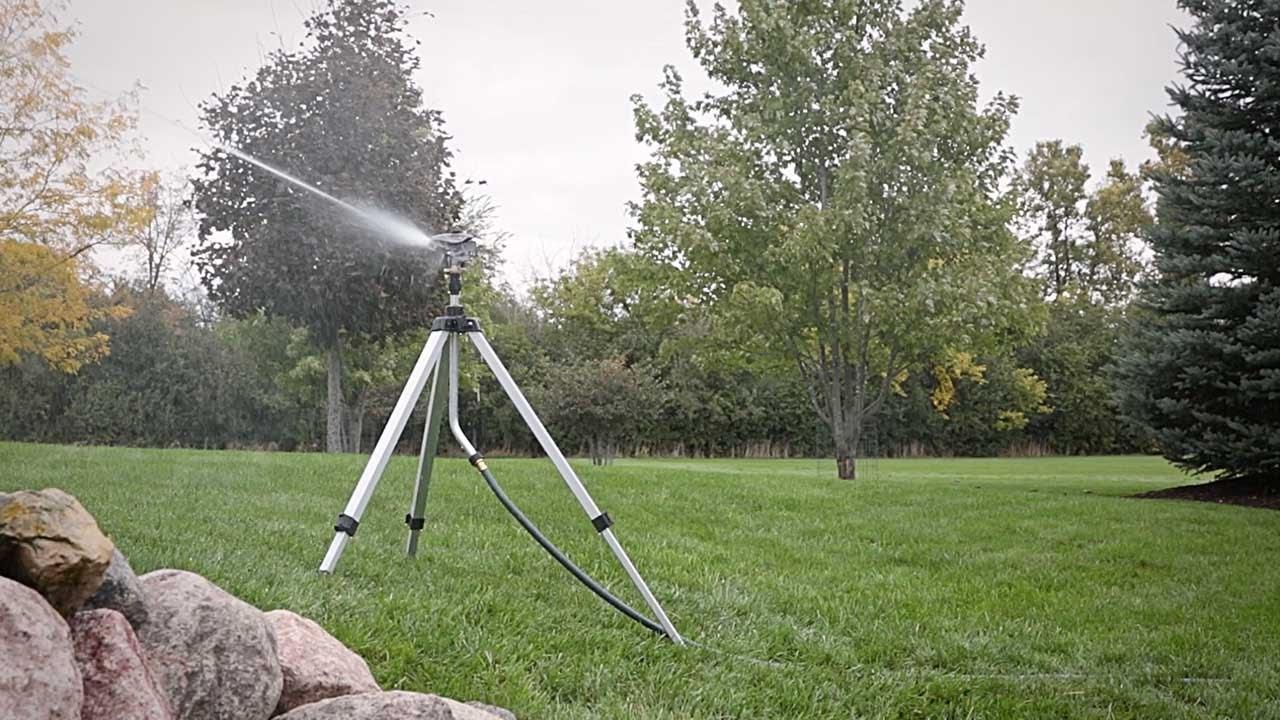 Best Tripod Lawn Sprinklers Gilmour PRO Adjustable Circular Tripod Sprinkler review