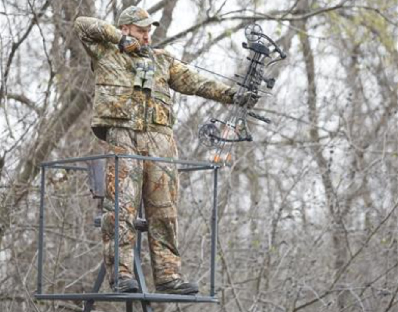 Top 5 best tripod stands for deer and bow hunting for Best deer stands