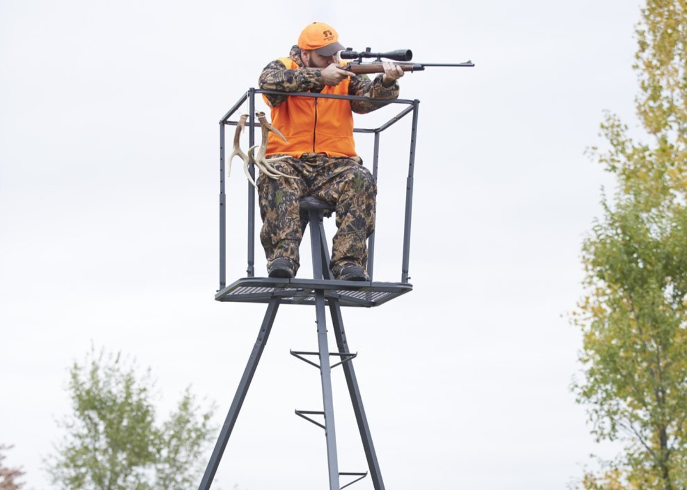 007064ef3f2 Guide Gear 13′ Deluxe Tripod Deer Stand (Editors Pick)