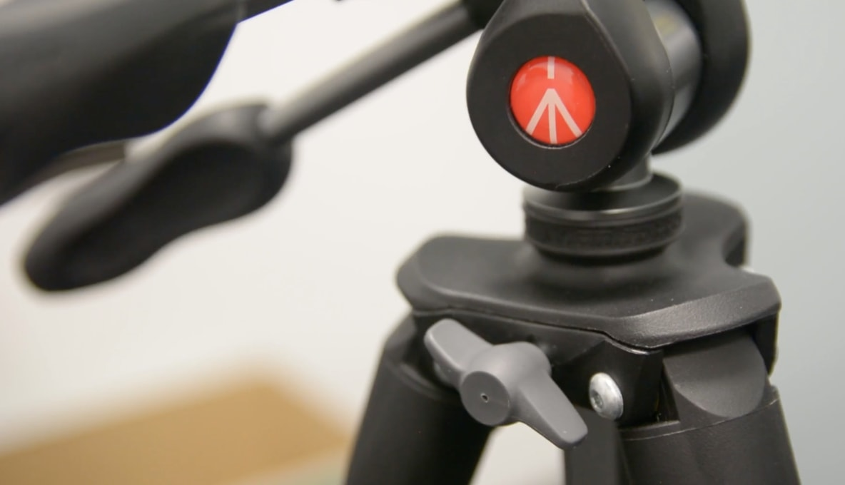 Manfrotto MKCOMPACTADV-BK Tripod with 3-Way Head Review