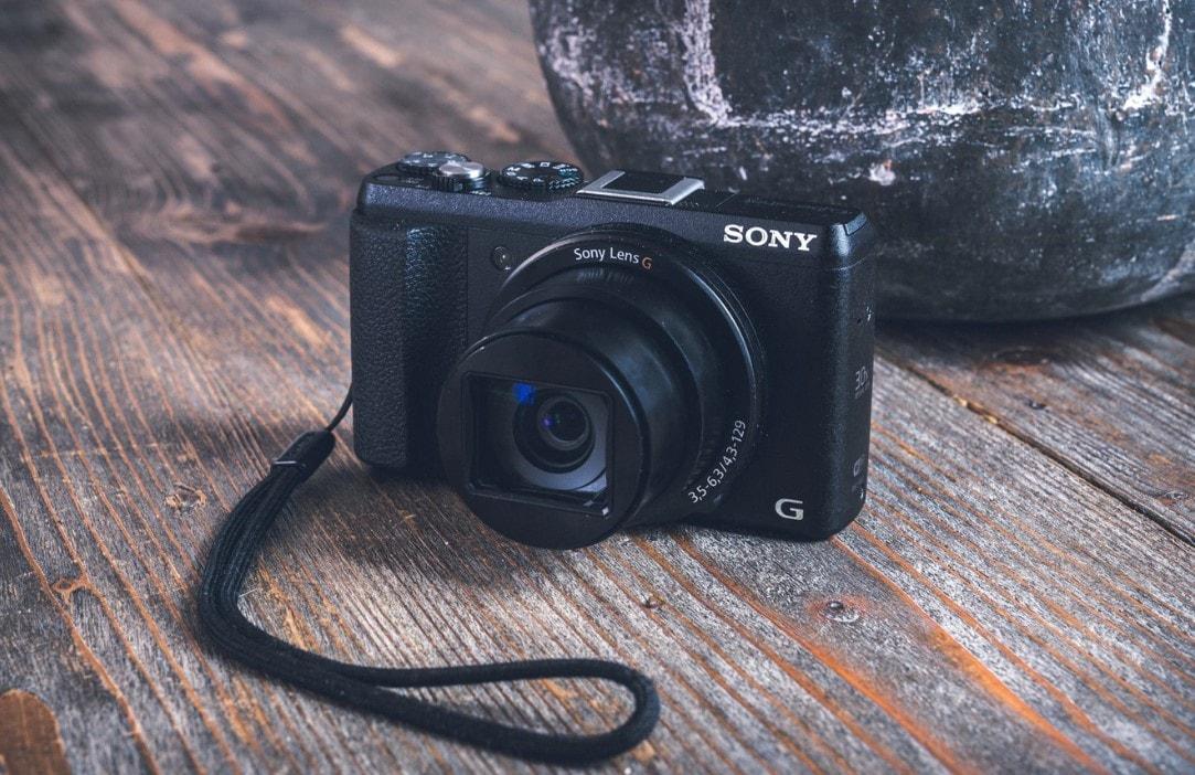 Best Compact Cameras Under $100
