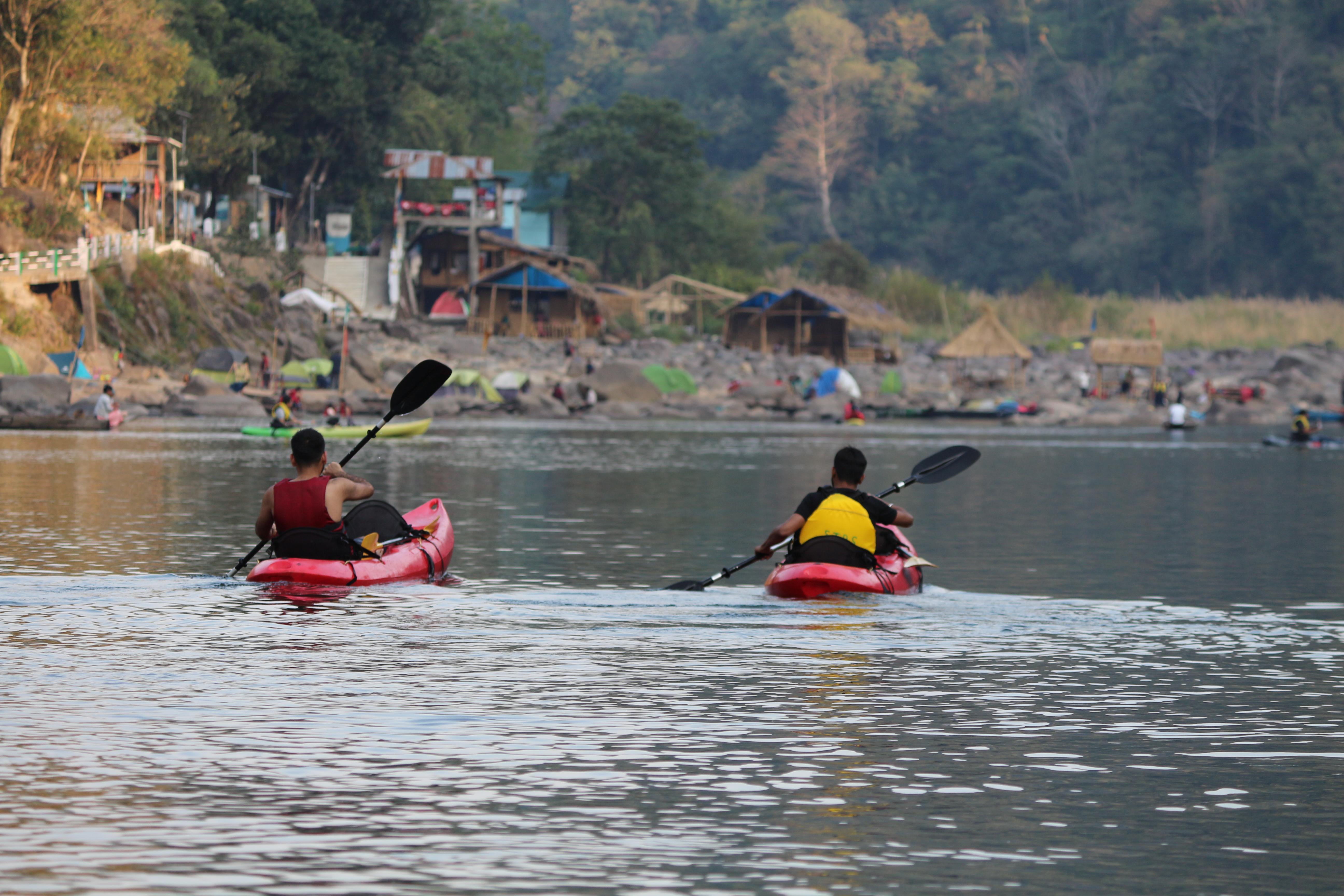 kayaking in dawki