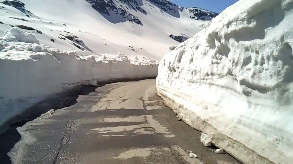 Rohtang Pass, Himachal Pradesh coldest places in India
