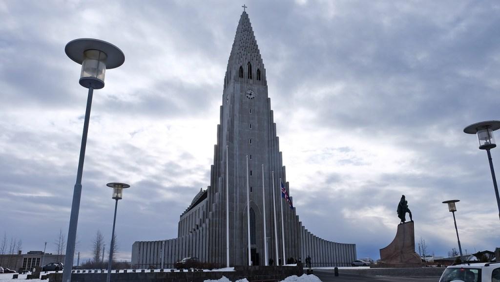 Popular churches in Europe :HALLGRÍMSKIRKJA, REYKJAVÍK