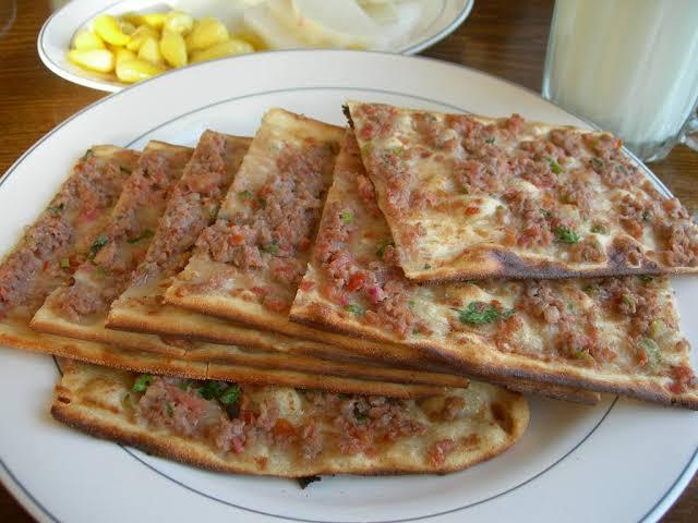 Etli Ekmek (Turkish Pizza)