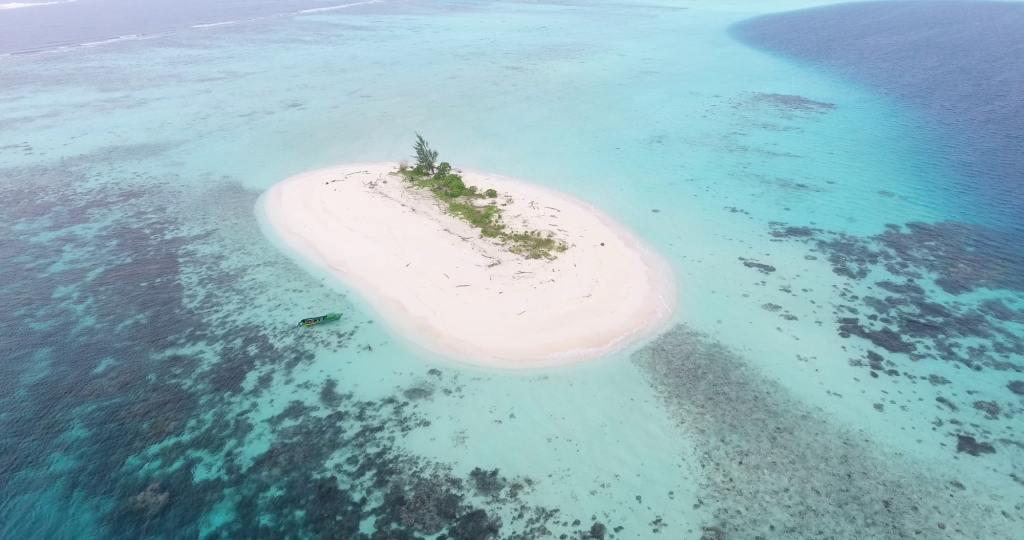 Solomon Islands: Tavanipupu Island Resort