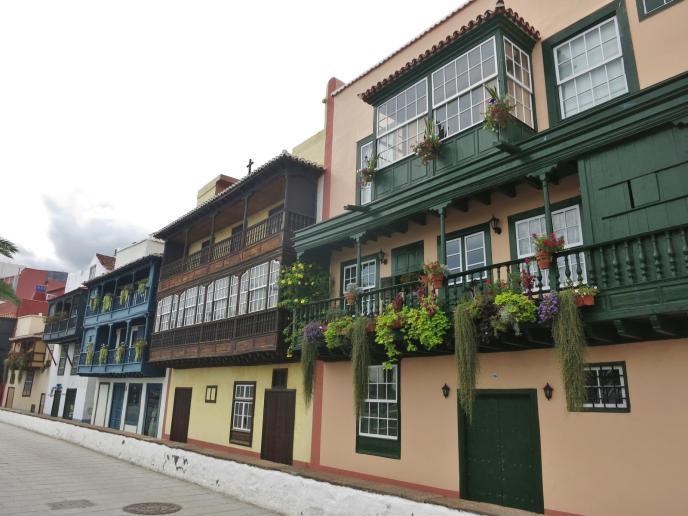 historische Balkone Uferstraße