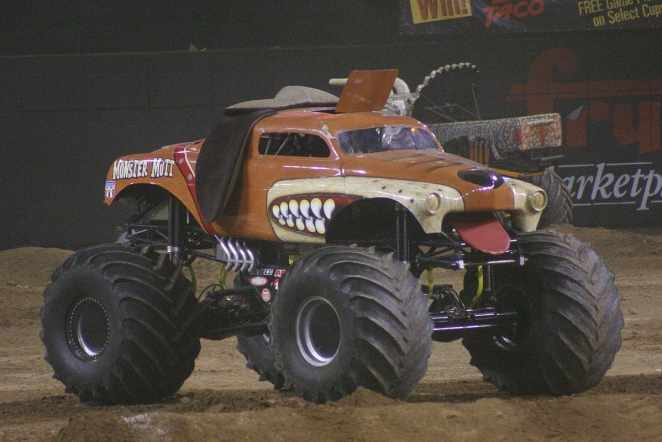 Monster Mutt Jam Truck