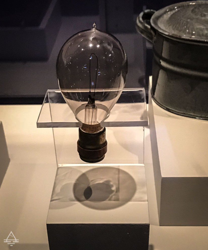 Incandescent Lamp made by the Edison General Electric Company around 1891