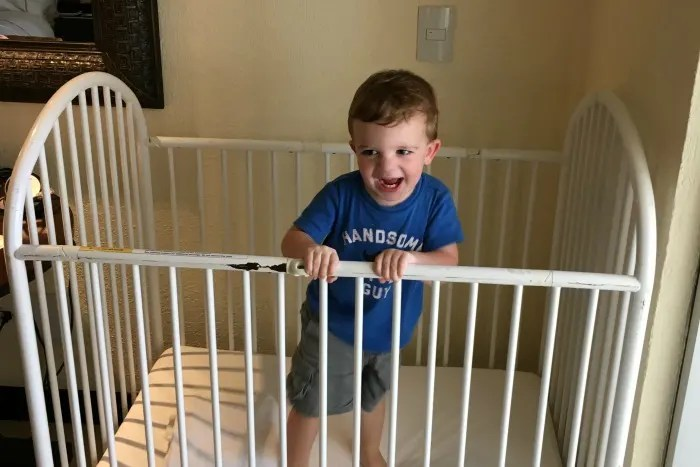 Travel-Sleep-Options-for-Babies-and-Toddlers-Hotel-Crib