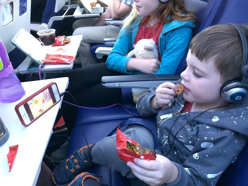 Kid-friendly airplane snacks