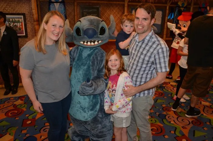 Family meeting Stitch at Surf's Up! Breakfast Disneyland character meal