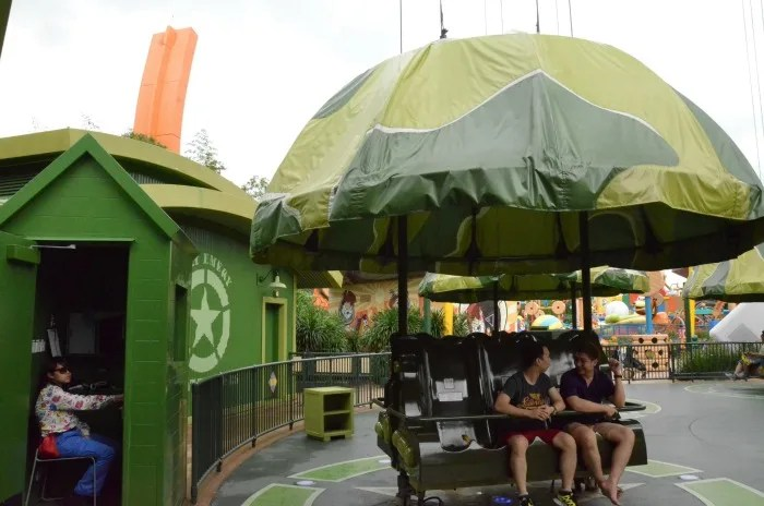 Top Attractions at Hong Kong Disneyland - Parachute Drop