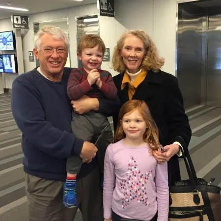 Track Your Tykes Travels - Kids and Grandparents in Airport