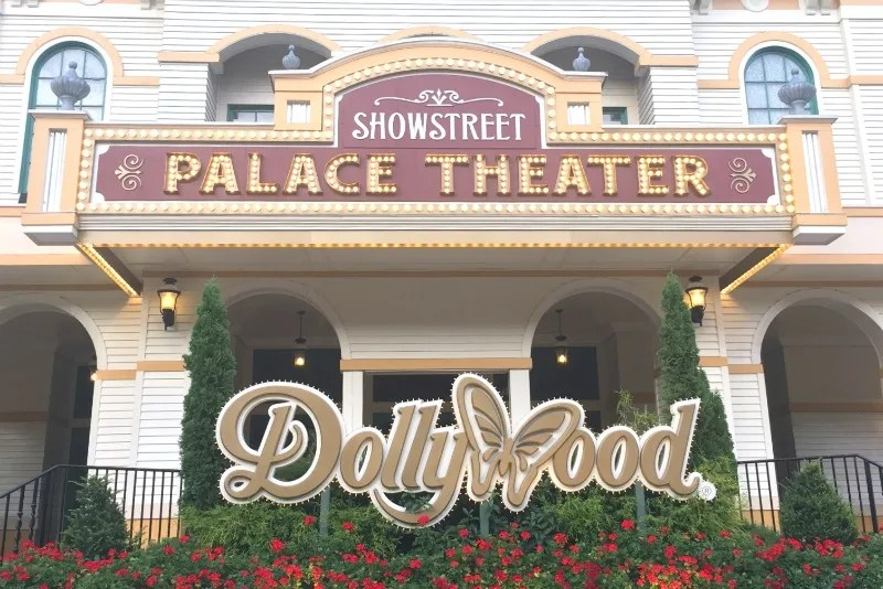 Dollywood with Kids - Sign