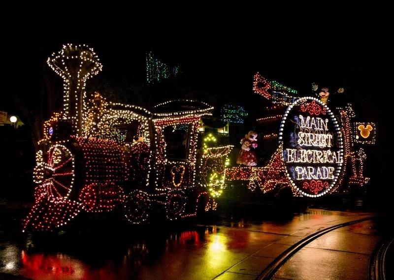 New at Disneyland 2017 - Main Street Electrical Parade