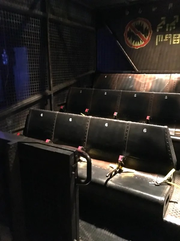 Guardians of the Galaxy - Mission BREAKOUT! - Gantry Lift Seating ...