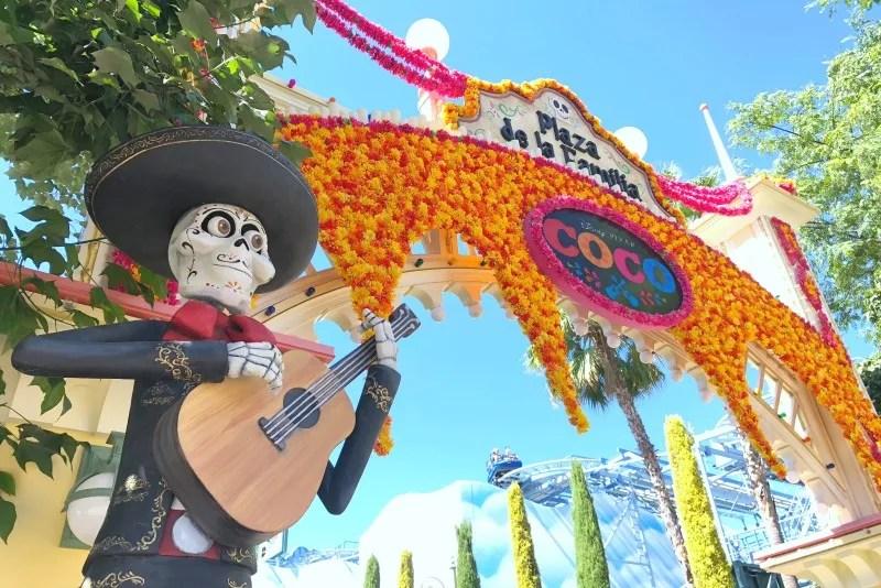 New at Disneyland Fall Winter 2018 - Coco Plaza de la Familia