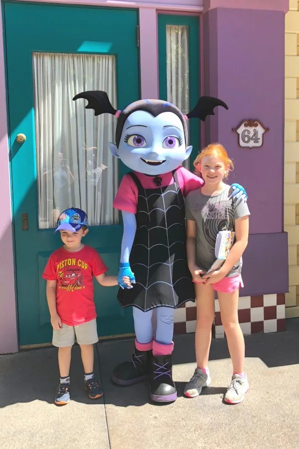 New at Disneyland Fall Winter 2018 - Vampirina Meet and Greet