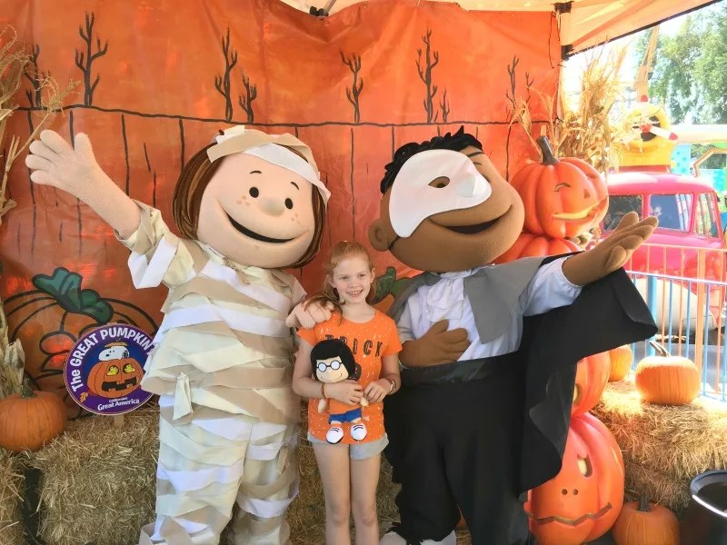 Great Pumpkin Fest Californias Great America - Peanuts Meet and Greet