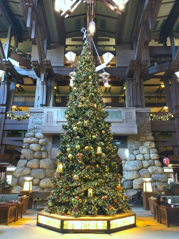 Disneyland Holidays - Grand Californian Tree