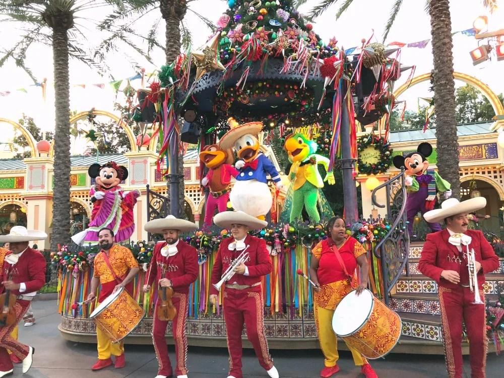 Disneyland Holidays - Viva Navidad