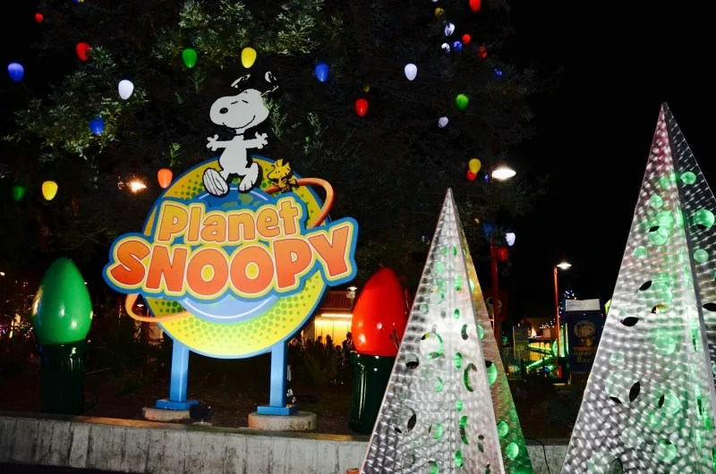 winterfest at great america planet snoopy decorations