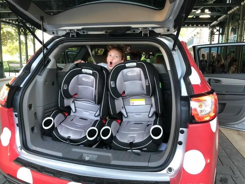 Disney Minnie Vans - 2 Car Seats Graco